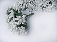 Тычинки на веточках (незабудки) белые