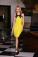 Стильное платье - футляр Нори классического стиля желтое