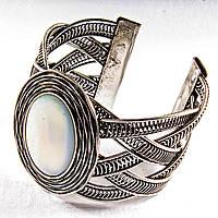 Браслет перламутр широкий скобка металл оправа гнездо овальная