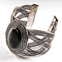 Браслет черный Агат широкий скобка  металл оправа гнездо овальная