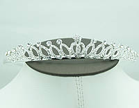 Нежная свадебная диадема в кристаллах. Сияющая свадебная бижутерия для волос оптом. 54