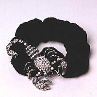 Резинка для волос резинка черный бархат скорпион страза темный