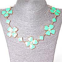 [15-35 мм.] Ожерелье ромбики и цветы из сердечек со стразами-серединками, металл Gold и глянец аквамарин