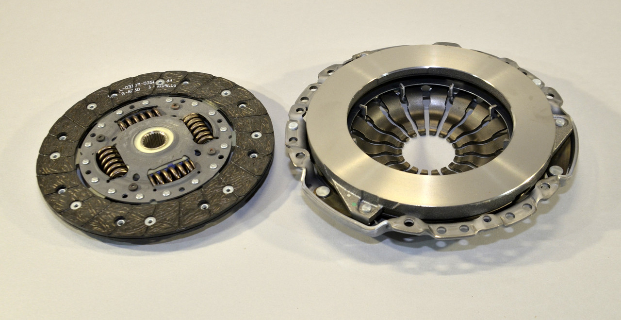 Комплект сцепления на Renault Dokker 2012-> 1.5dCi — Renault (Оригинал) - 302058324R