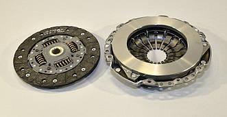 Комплект сцепления на Renault Dokker 2012-> 1.5dCi (d=215mm)  — Renault (реставрация) - 302058324R