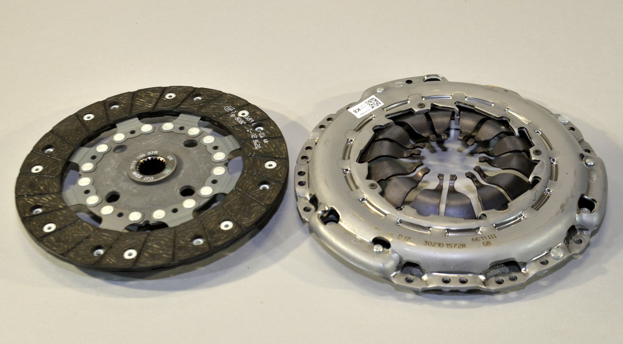 Комплект зчеплення на Renault Kangoo II 2008-> 1.5 dCi (d=228mm) — Renault (реставрація) - 302057505R