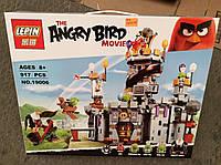 """Детский конструктор Lepin Angry Birds 19006 """"Замок Короля свинок"""" 859 деталей"""