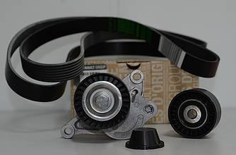 Комплект натягувач + ролик + ремінь генератора на Renault Trafic 2006-> 2.0 dCi (+AC) - 7701476645