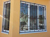 Кованая решетка на окно арт.рк2