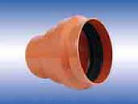Патрубок для соединения раструба трубы ПВХ с керамической трубой