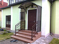 Козырек над входом 19