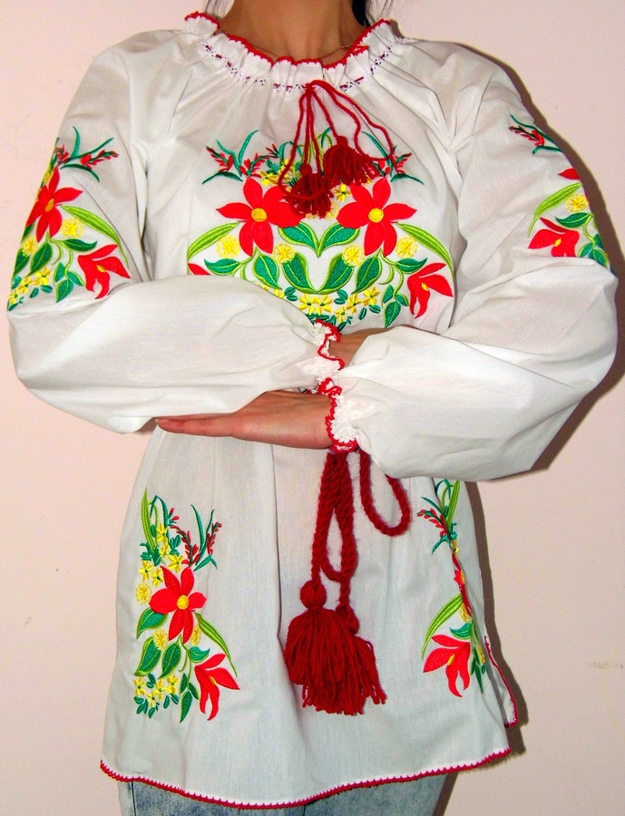 Туника-вышиванка с цветами