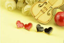 Сережки - гвоздики Сердечка чорні