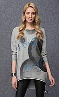 Женская свободная туника из плотного трикотажа серого цвета. Модель Betty Zaps.