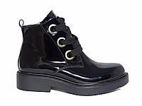 Лаковые женские ботинки с толстой шнуровкой