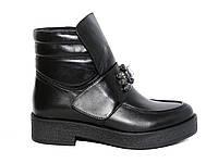 Кожаные демисезонные женские ботинки с камнями