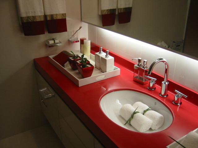 Столешницы в ванную из искусственного камня.