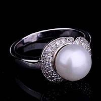 Женское серебряное кольцо с фианитами и жемчугом