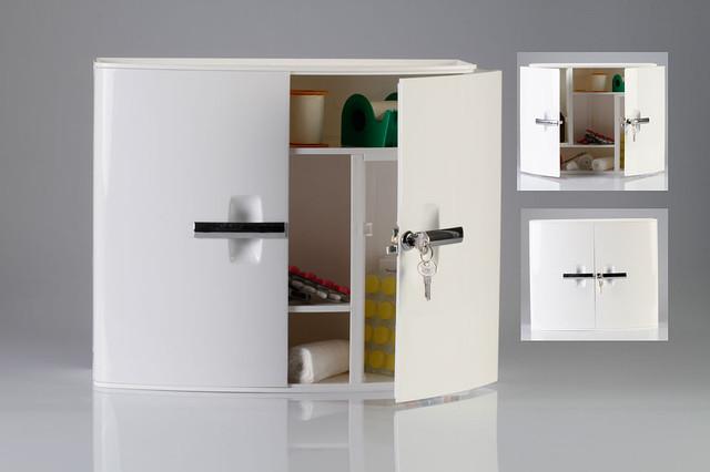 Удобный шкафчик в ванную комнату с замком