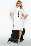 Элегантное платье со шлейфом