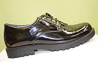 Оксфорды черного цвета на шнурках-резинках
