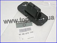 Пластиковая направляющая раздвижной двери на Renault Trafic II   RENAULT ОРИГИНАЛ 8200075742
