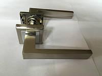 Ручка раздельная на квадратной розетке Mongoose H-888 SN/CR (сатин/хром)