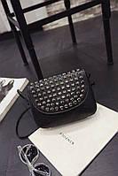 Черная женская сумка с камнями