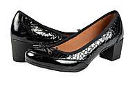 Женские туфли модельные из хромированной кожи с напылением лака mida 21587капля черные   весенние