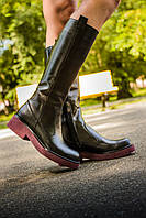 Сапоги кожаные черного цвета на бордовой подошве   на узкую ногу