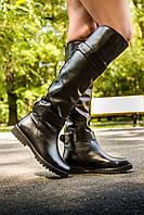 Сапоги высокие кожаные  черного цвета в на низком ходу
