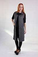 Красивое женское пальто-жилет серого цвета