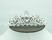 Ещё больше моделей свадебных корон и диадем с камнями и стразами. Свадебные аксессуары для волос от Бижутерии оптом RRR.