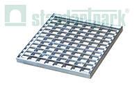 Решетка водоприемная Basic РО - 39.39 ячеистая стальная оцинкованная