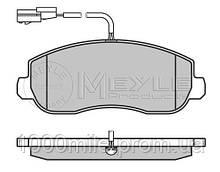 Тормозные колодки передние  с датчиком на Renault Master III  10-> —  Meyle (Германия) - MY0252514718/W