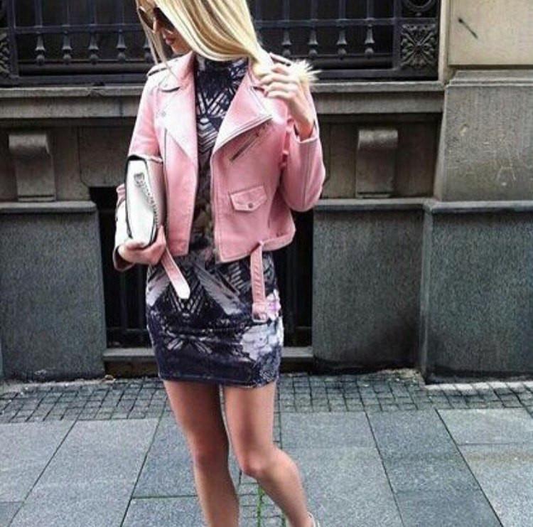 21e0997d0bc Стильная укороченная женская куртка-косуха кожаная