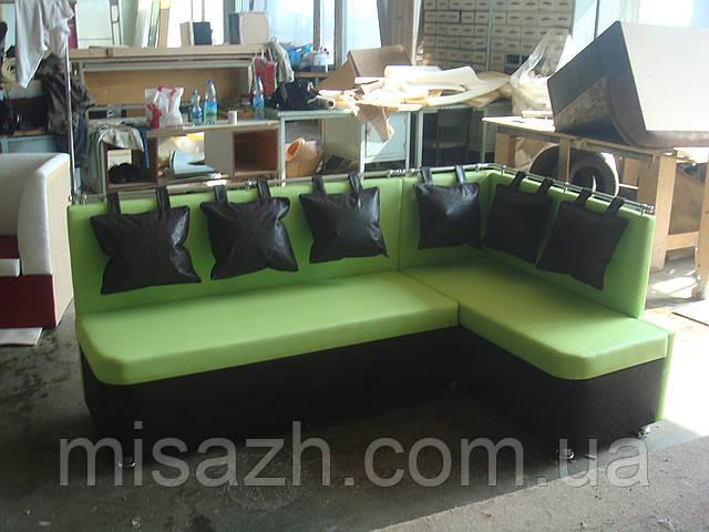 """Кухонный уголок """"Милан""""  зелено-черный( с укороченой спинкой справа).            витрина 25"""