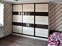 Трехстворчатый шкаф-купе в спальню