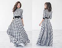 Женское стильное платье-макси в клетку и с бабочкой