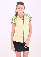Летняя блуза из льна с коротким рукавом декорирована традиционной вышивкой