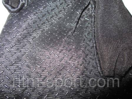 Специальное не скользящее покрытие на ладони перчатки