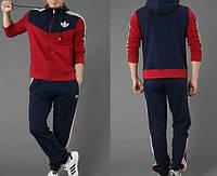 Спортивный костюм Adidas,красные рукава и перед кофты, синяя спина, синие штаны, с капюшоном,с лампасами, ф183
