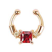 Серьга-обманка в нос Chic с красным камнем золото