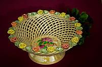 Конфетница плетеная круглая с лепкой
