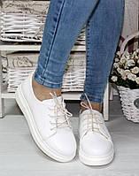 Женские белые туфли на шнурках