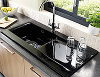 Врезная керамическая кухонная мойка черного цвета прямоугольной формы от LONGRAN LISCIO 1.0B Black Ceramic