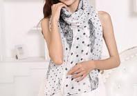 Стильный легкий женский шарф в горошек черно-белого цвета