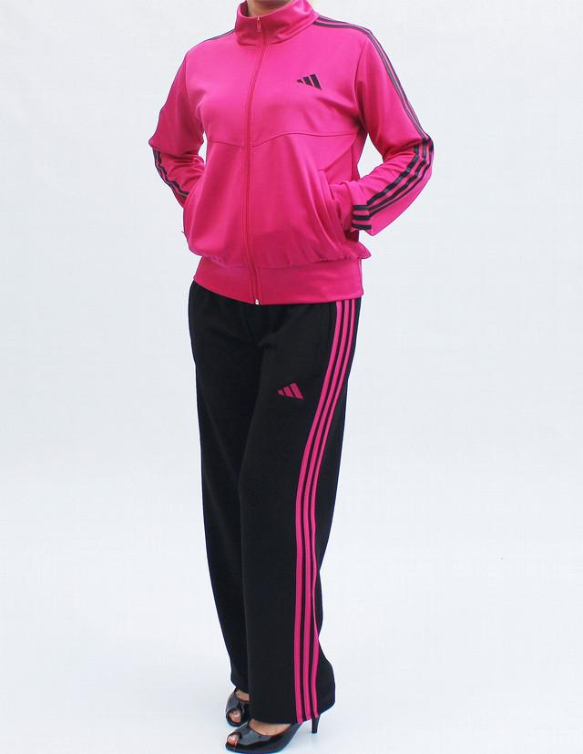 модный женский спортивный костюм с малиновой кофтой