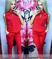 Яркий женский комбинезон штанами