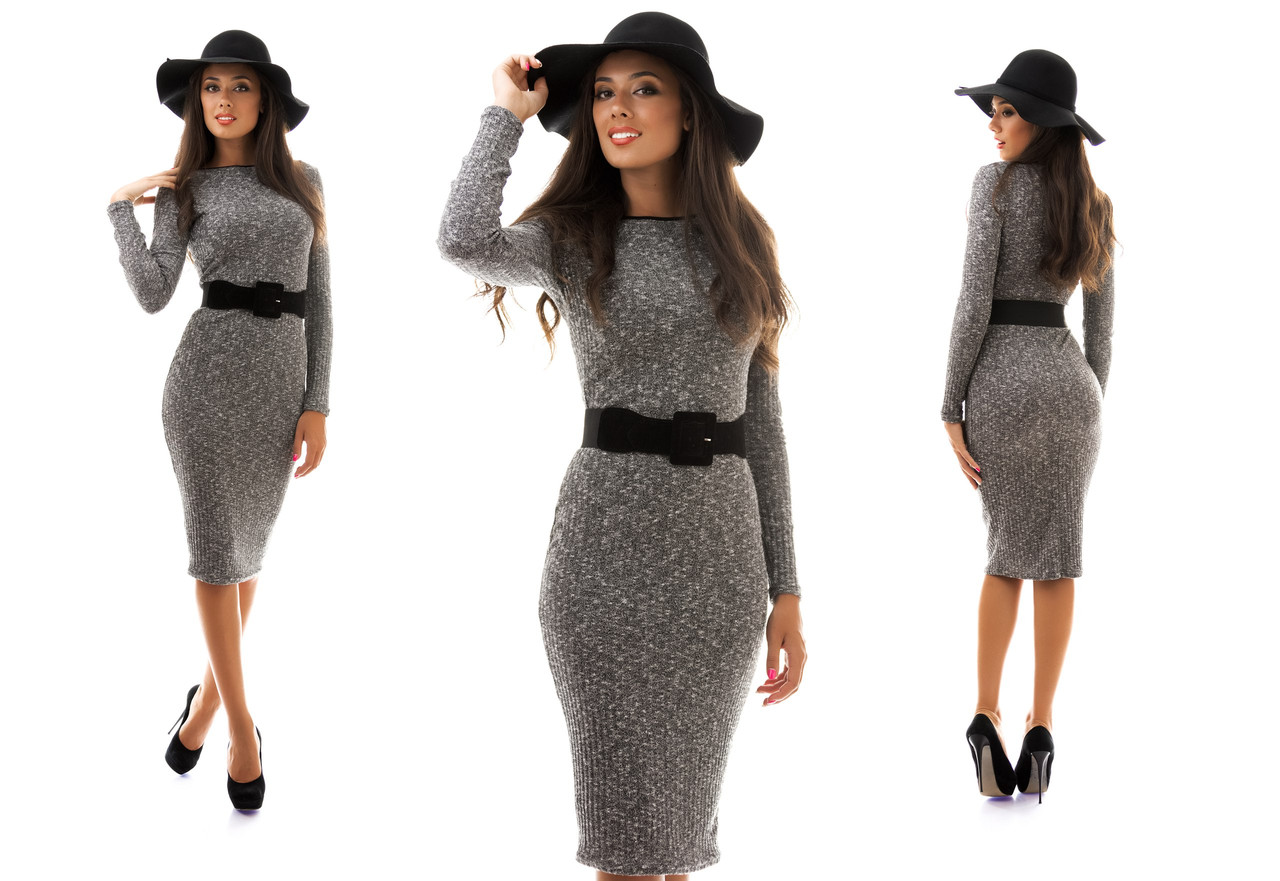 Связанное платье с длинным рукавом